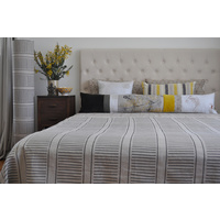 Pinch River 'corduroy pathway' King size Quilt Set
